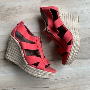 Moda Kinsey Wedge with Zipper Pink Size 8
